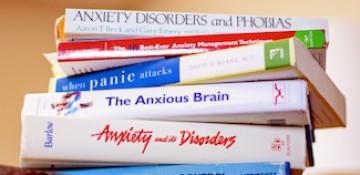 درمان اضطراب با رویکرد درمانی مبتنی بر پذیرش و تعهد
