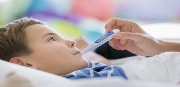 در مواجهه با بیماری کودکم چطور رفتار کنم؟