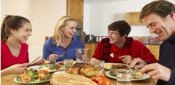 بررسی عدم تمایل جوانان به حضور در جمع های خانوادگی