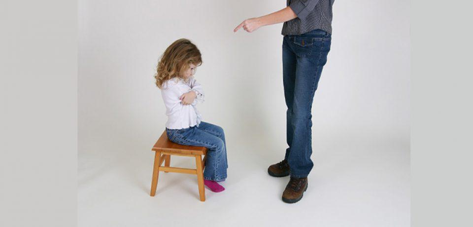 تنبیه کلامی سم تربیت فرزندان