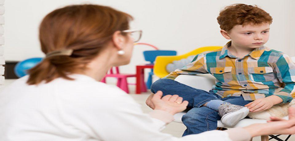 چرا افراد مبتلا به اوتیسم از تماس چشمی اجتناب میکنند؟