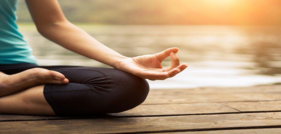 تاثیر یوگا بر کاهش علائم افسردگی