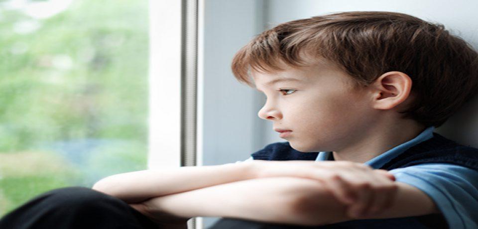 والدین به نشانههای کودک آزاری حساس شوند/ رصد رفتارهای کودکان