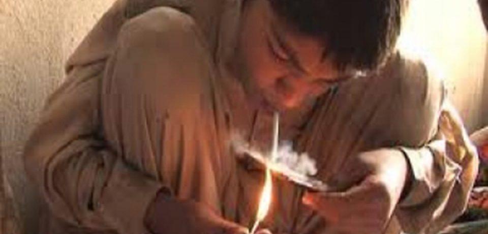 وجود معتاد متجاهر زیر ۱۸ سال در کشور/مرکز نگهداری کودکان معتاد در زاهدان دیگر ظرفیت ندارد!