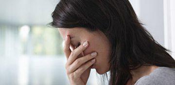 سنگینی افسردگی بر شانه های جسم و روان