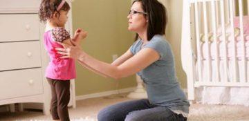 جملاتی که هرگز نباید به کودکتان بگویید
