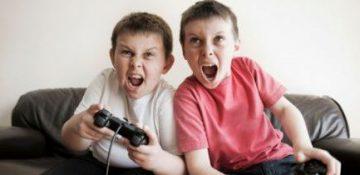 تاثیر بازیهای رایانهای بر سلامت جسمی و روانی کودکان /ساعات بازی را کنترل کنید