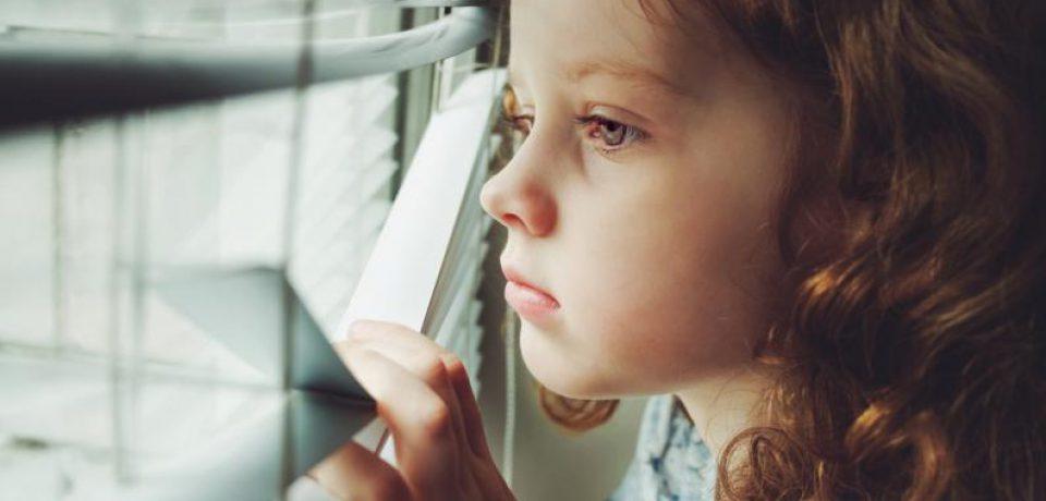 چه موقع می توانید فرزندتان را تنها بگذارید؟