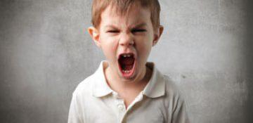 چگونه خشم کودک را کنترل کنیم؟