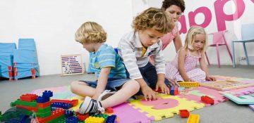 مشکلات کودکان را با بازی درمان کنید