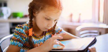 کدام کودکان در بزرگسالی از رسانههای اجتماعی بیشتر استفاده میکنند؟
