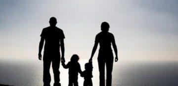 والدینی که مانع رشد کودک میشوند