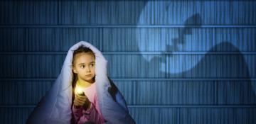 با ترس کودک از تاریکی چکار کنیم؟