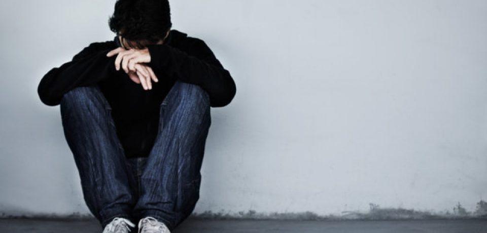 افسردگی دوران بلوغ در دختران دو برابر پسران است