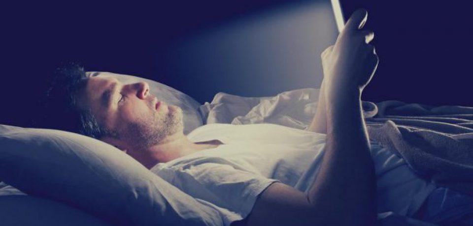پیامدهای منفی اینترنت پرسرعت بر الگوهای خواب