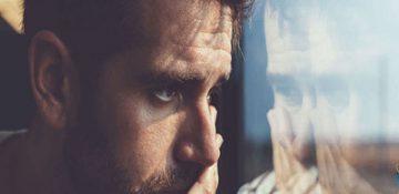 افکار منفی در ذهن ما چگونه شکل میگیرد؟