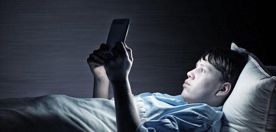 کمبود خواب عامل رفتارهای پرخطر در نوجوانان