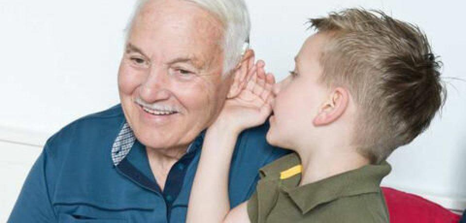 دوزبانه بودن چه فوایدی برای سالمندان دارد؟