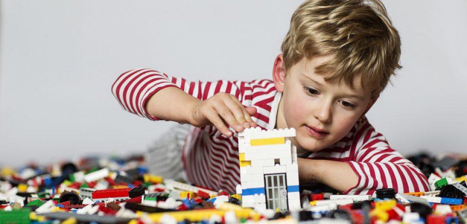 نقش مهم اسباب بازی در شکل گیری شخصیت کودک