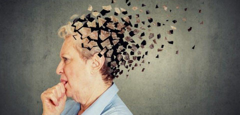 چرت زدن بیش از حد میتواند از نشانههای آلزایمر باشد