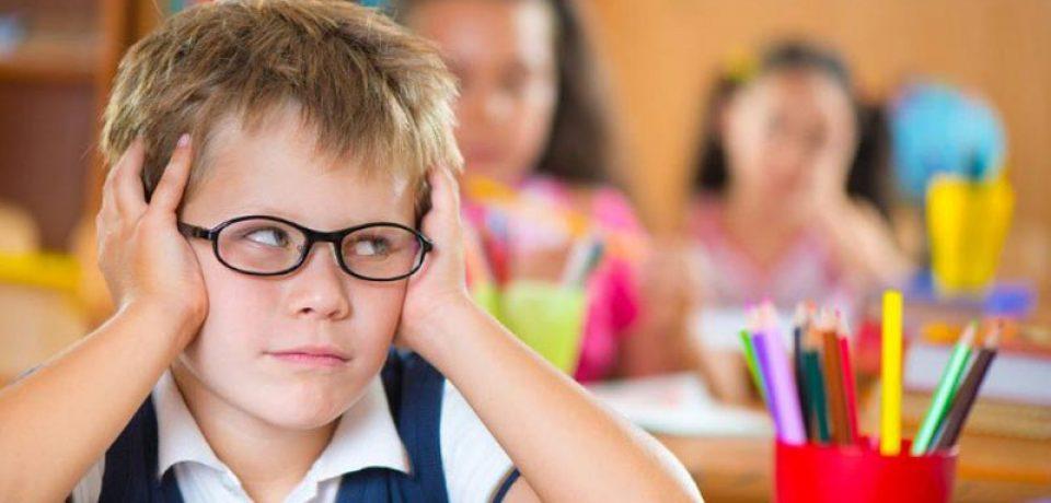 نشانههایی که میگوید کودکتان مشکل تمرکز و توجه دارد