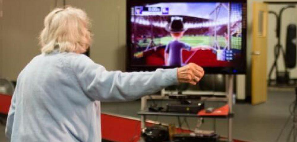 """""""بازی – ورزش"""" راهکاری موثر برای بهبود بیماران مبتلا به پارکینسون"""