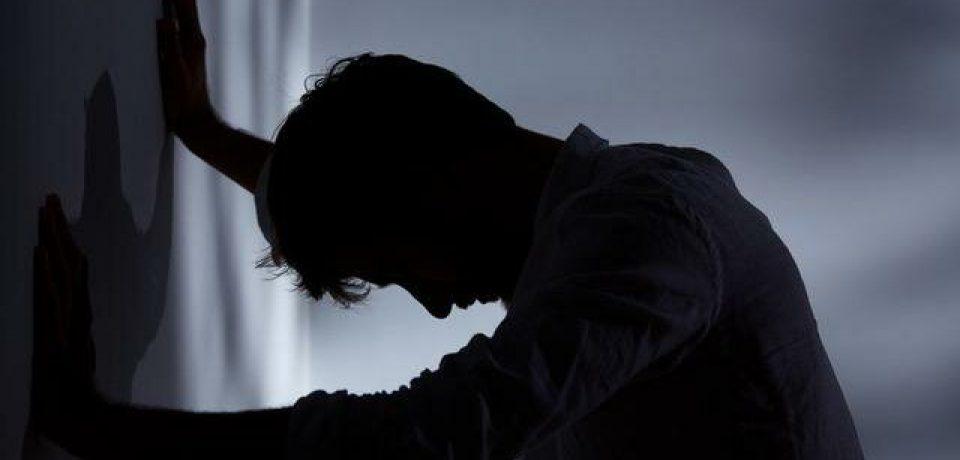 چرا باید افسردگی در نوجوانی را جدیتر بگیریم
