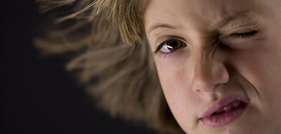 نشانههای تیک عصبی در کودکان