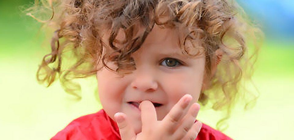 چه چبزی جویدن ناخن در کودکان را تشدید میکند؟