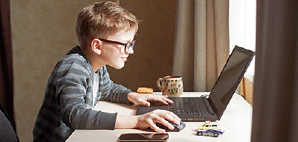 تکنیک های طلایی برای پیوند کودکان با آموزش مجازی