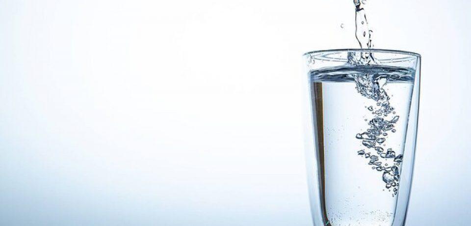 نوشیدن آب کافی در بهبود تصمیمگیری نقش دارد